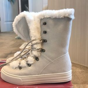 New with tags Merona boots